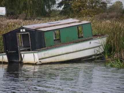 Ex-boat