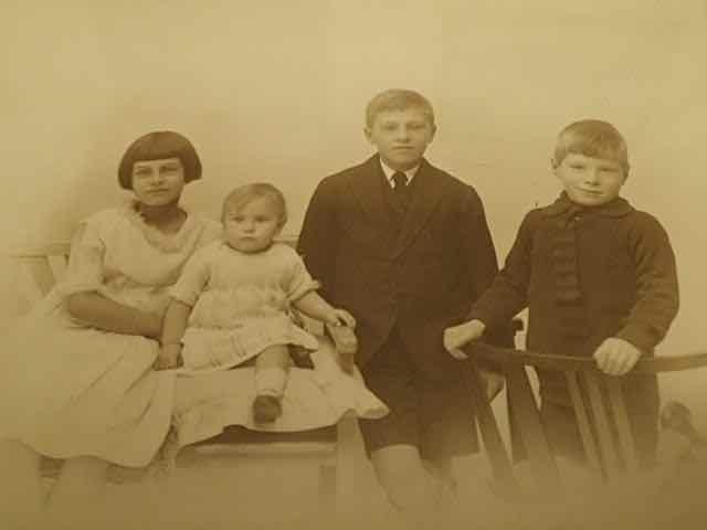 Kath, Madeleine, Sid and Alex c1927