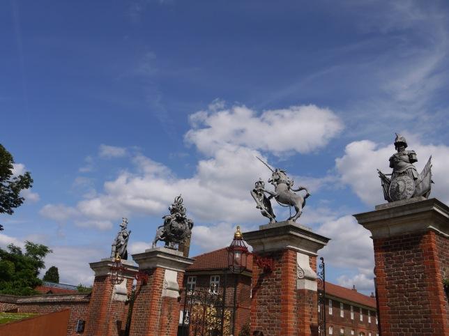 Entrance gates Hampton Court palace